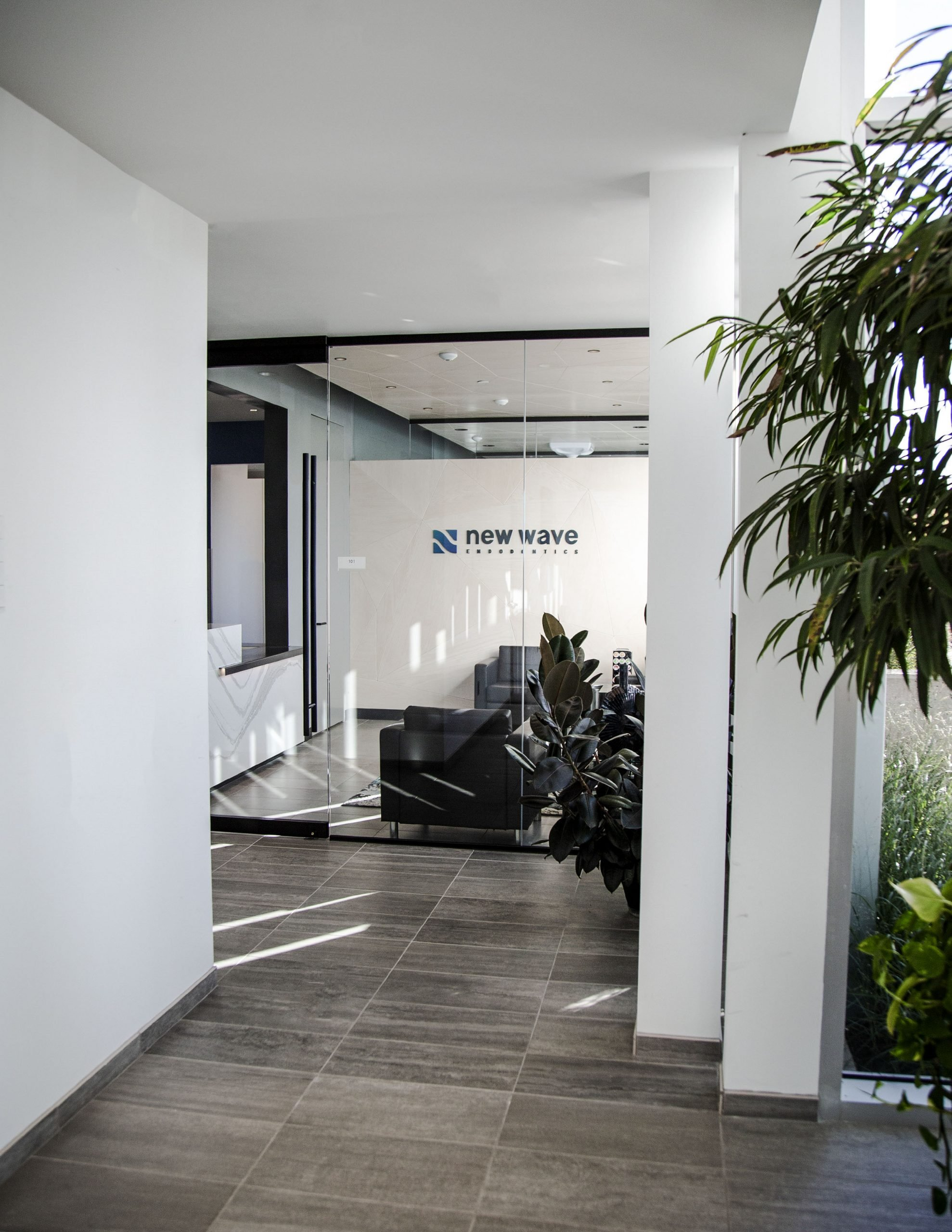 entry hallway to New Wave Endodontics office