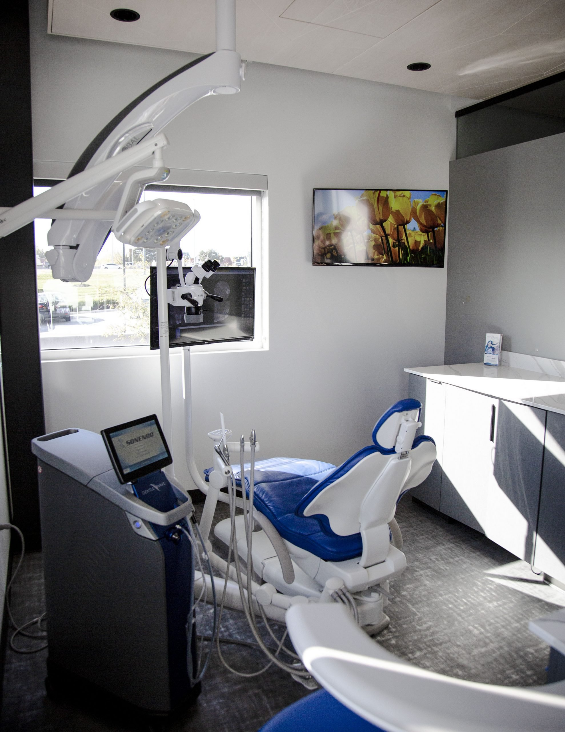 dentist treatment room with gentle wave machine